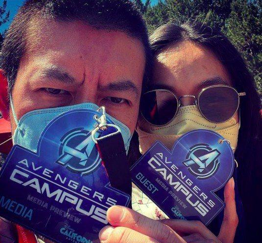 陳冠希(右)和太太(左)一起去迪士尼玩。圖/摘自IG