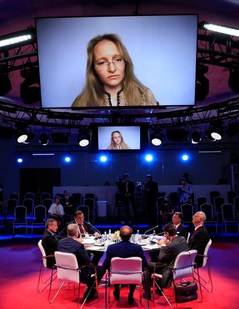 普亭女兒卡特琳娜.提霍諾娃4日以莫斯科大學複雜系統數學研究所副主任身分,參加聖彼得堡國際經濟論壇會議。路透