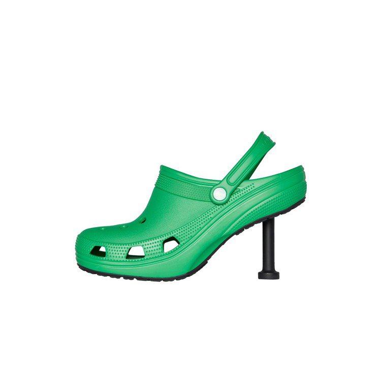 BALENCIAGA CROCS 2.0,這次在鞋型上有更多的變化,CROCS ...