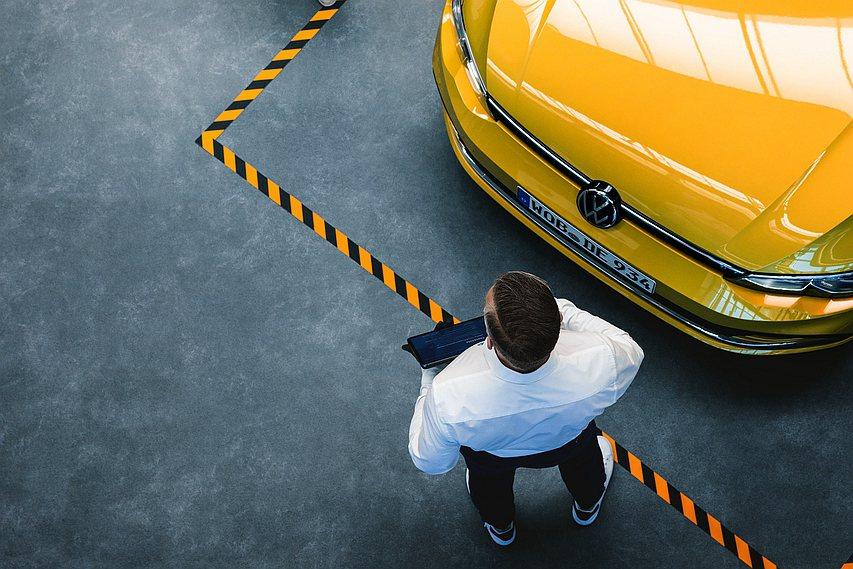 台灣福斯汽車以夏季健檢活動為所有福斯人愛車健康把關,提供預約取送車服務,降低接觸...