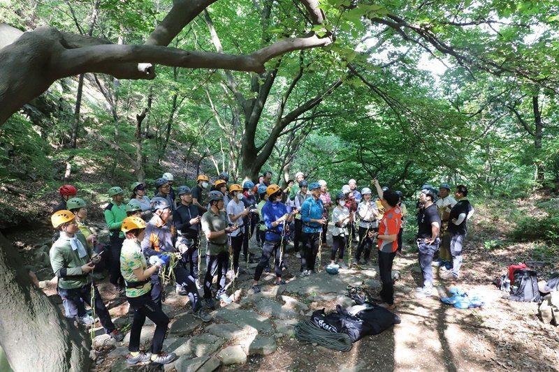 林道登山指導師養成教育。圖/登山健行支援中心提供