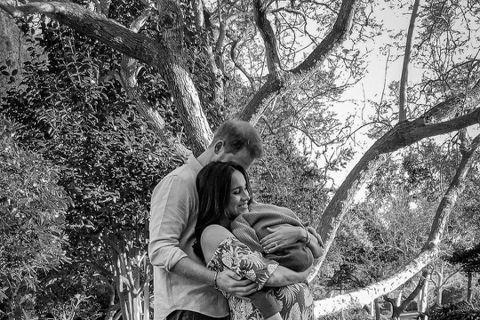 """英國哈利王子與妻子梅根宣布生下女兒莉莉白""""莉莉""""‧黛安娜‧蒙巴頓—溫莎,引起全球矚目。英國媒體報導莉莉剛出生時的體重約3400多公克,比哥哥亞契稍重一些,但比起3個堂哥堂姊喬治、..."""