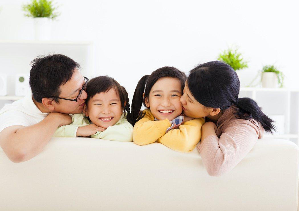 高房價低所得讓年輕人只能「孩子、房子」二選一?圖/業者提供
