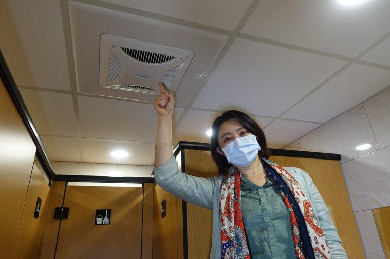 中山大學氣膠科學中心主任王家蓁指出,不良通風系統可能加速疫情擴散。照片/中山大學...