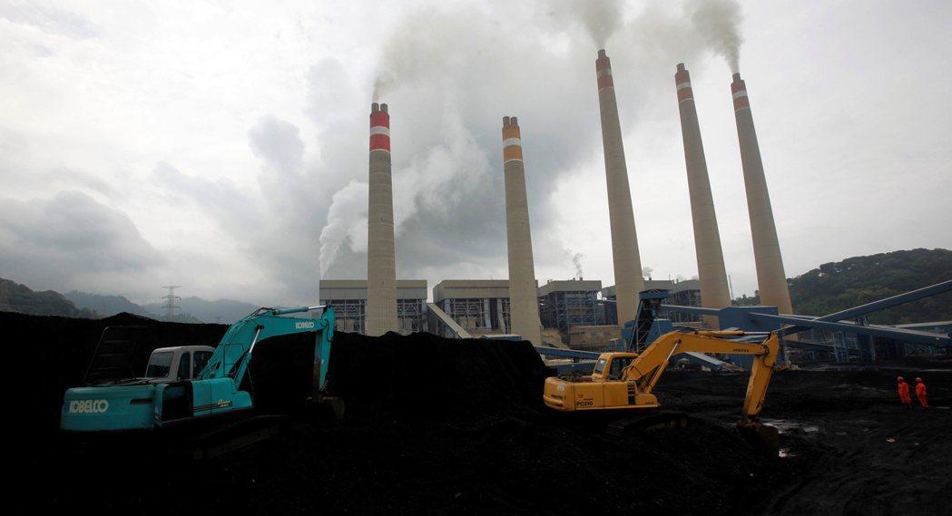 全球投資人將要求製造最多汙染的亞洲發電事業減排溫室氣體,以實踐最新的氣候變遷目標...