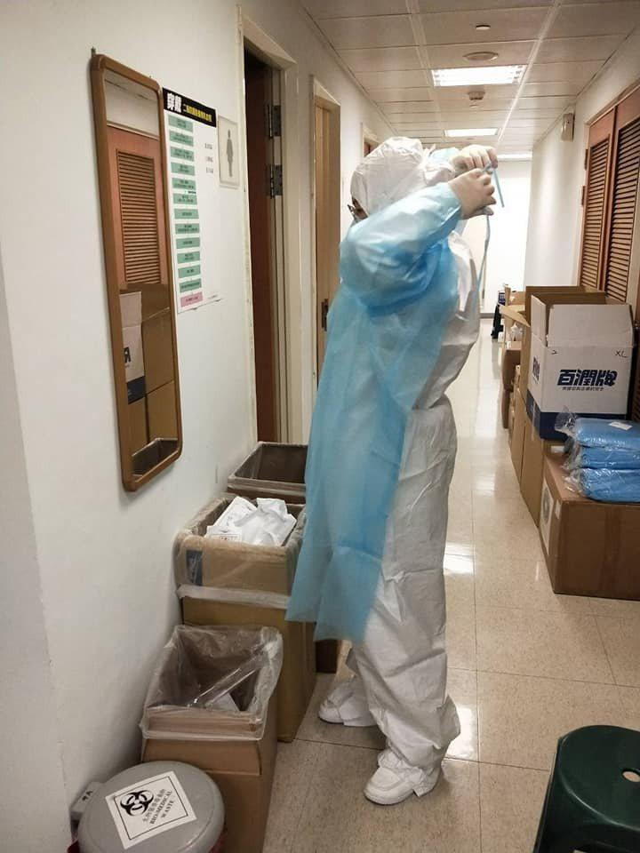 唐豐的老婆是護理師,在前線抗疫。 圖/擷自唐豐臉書