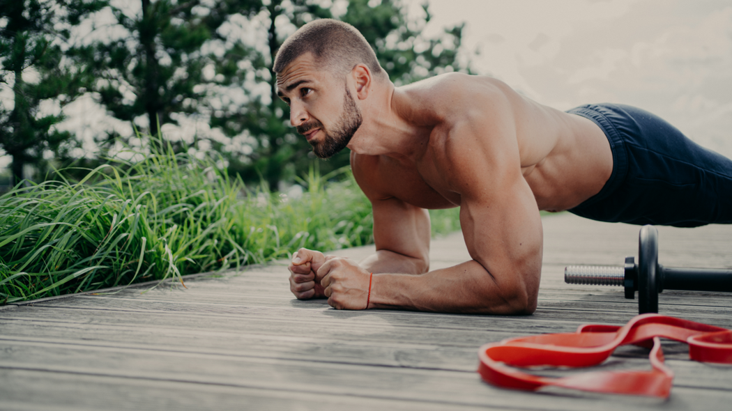 8分鐘腹肌訓練,練出迷人肌肉線條。圖/Canva