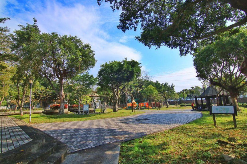 鳳鳴公園 全球居不動產提供