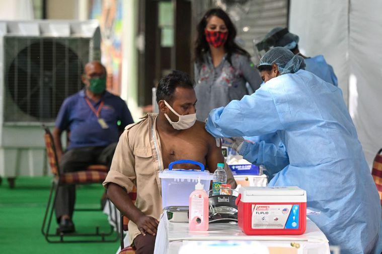 印度一些醫生發現,印度變種病毒會導致患者出現聽力損失、嚴重胃部不適、血栓導致身體...