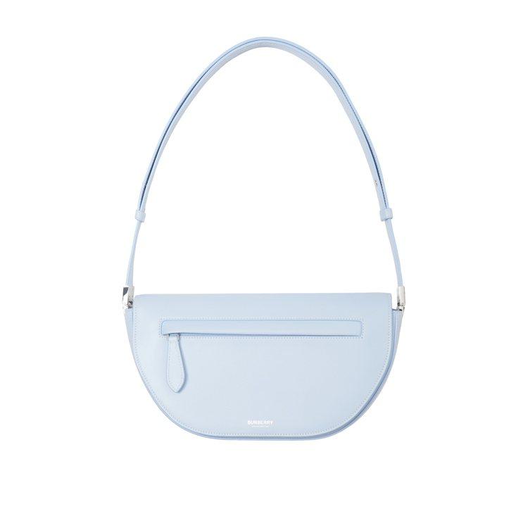 Olympia淺藍色小型皮革包款,69,000元。圖/BURBERRY提供