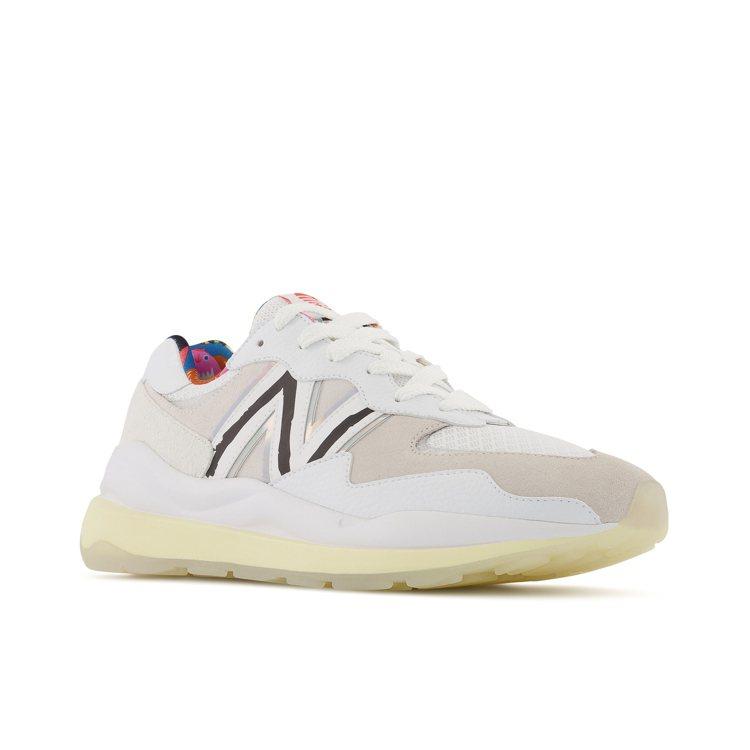 New Balance PRIDE系列M5740PR1鞋3,880元。圖/New...