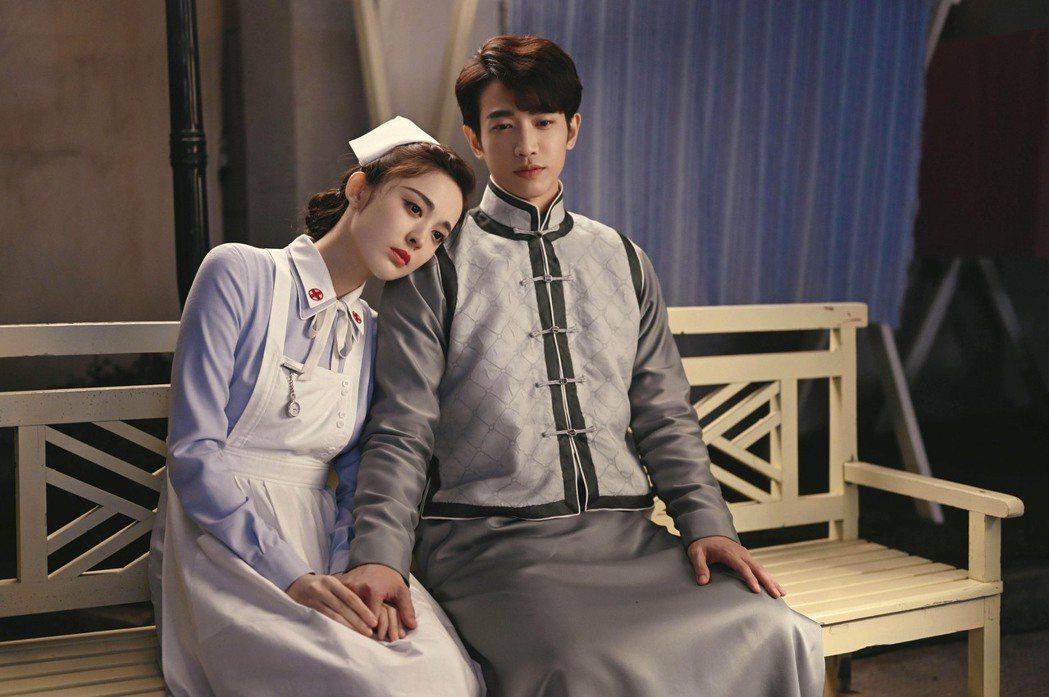 劉以豪(右)、古力娜扎在「十二譚」中情感虐戀揪心。圖/LiTV、劉以豪工作室提供