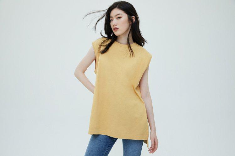 Gap厚磅密織系列乾爽無袖T恤限時優惠549元。圖/Gap提供