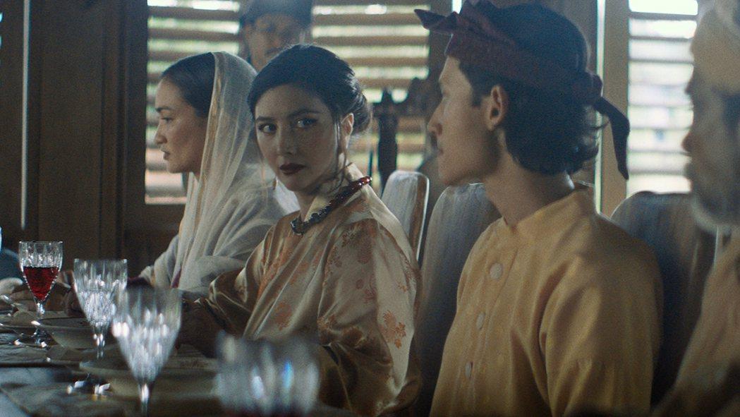 何超儀飾演來自19世紀清朝天地會的幫派女首領。圖/852 Films提供