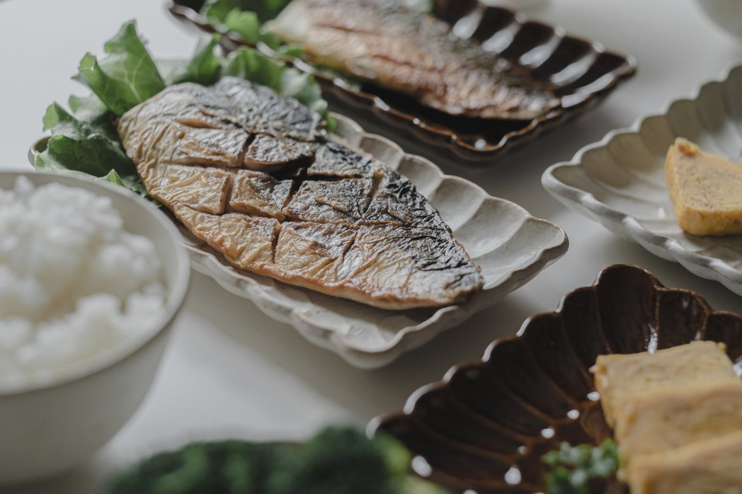 健康清爽鹽烤鯖魚套餐。 圖/美味拍手提供