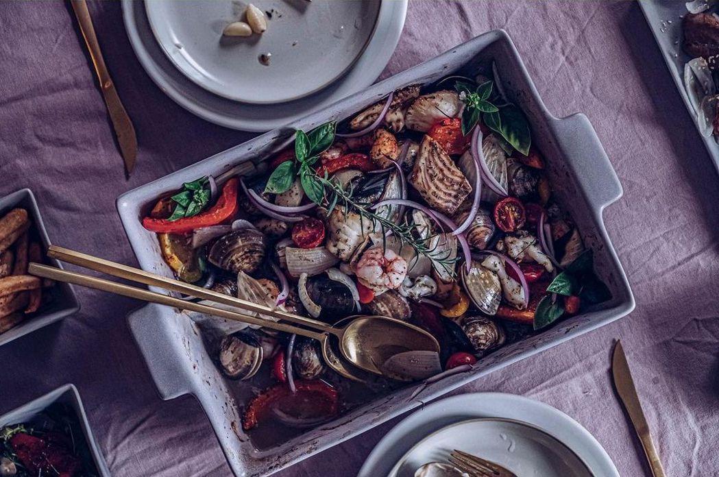 超澎湃烤海鮮盤。 圖/美味拍手提供