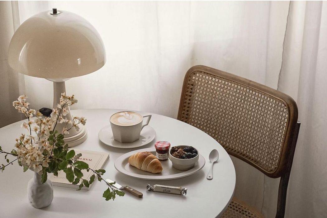 「美味拍手」夫妻檔,擅長創造美味餐桌與在家生活風景。 圖/美味拍手提供