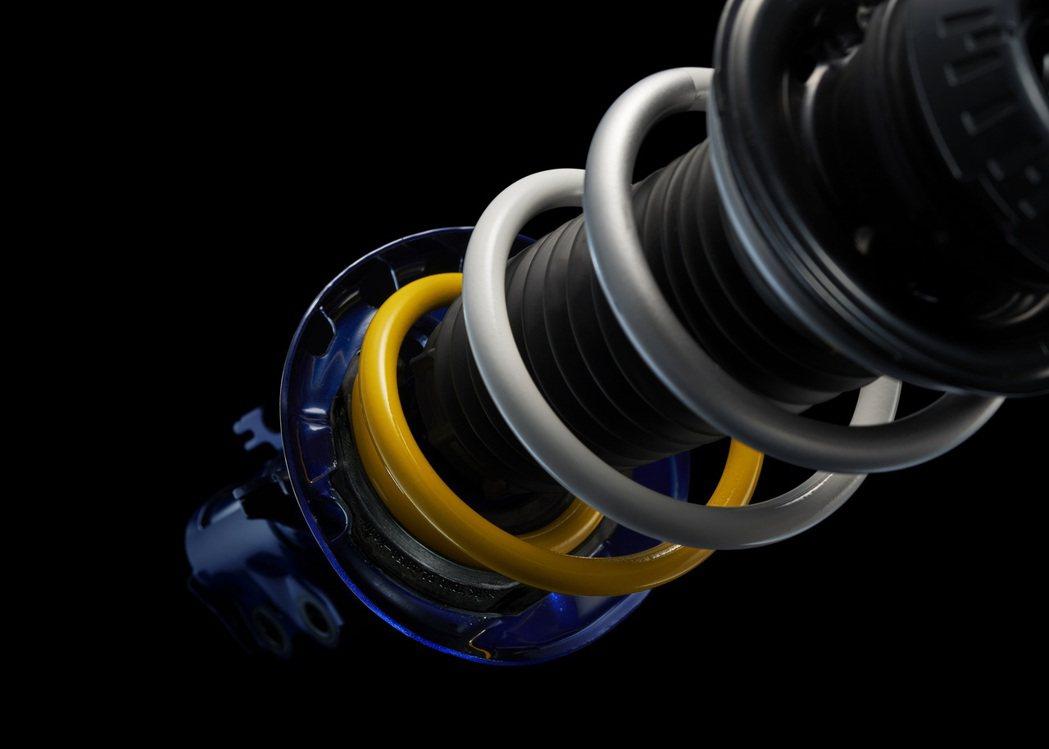 ROOKIE Racing配色的避震器。 摘自Toyota.jp