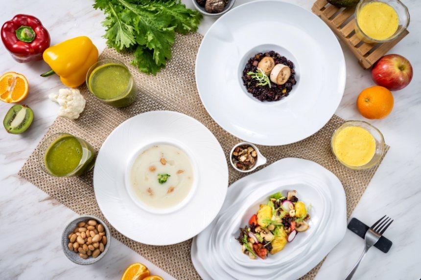 想在一餐吃進最多植化素的秘訣,就是在烹飪時增加不同顏色的蔬果與種類。 圖/張季禹...