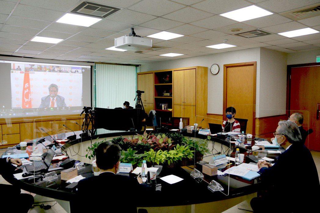 亞洲生產力組織(APO)第63屆理事會議於8日及9日由APO東京秘書處以視訊方式...