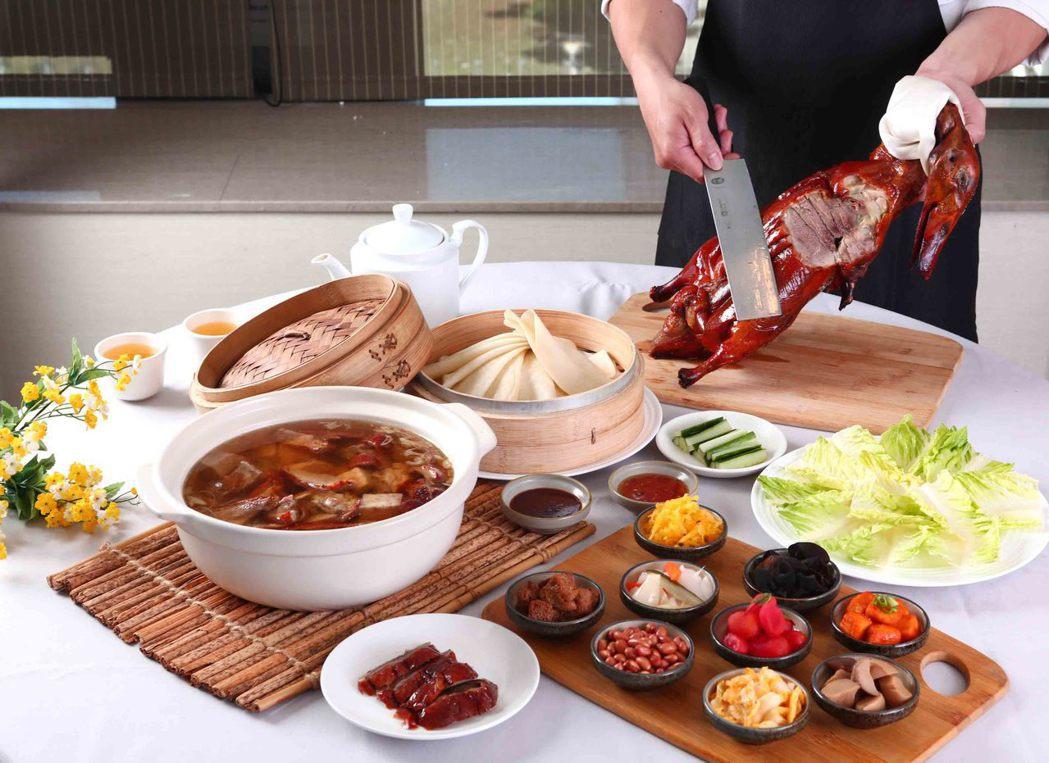 翰品片皮鴨 肉質細嫩且油脂分佈均勻,加上本產芋頭與米粉的結合,完美呈現佳餚。翰品...