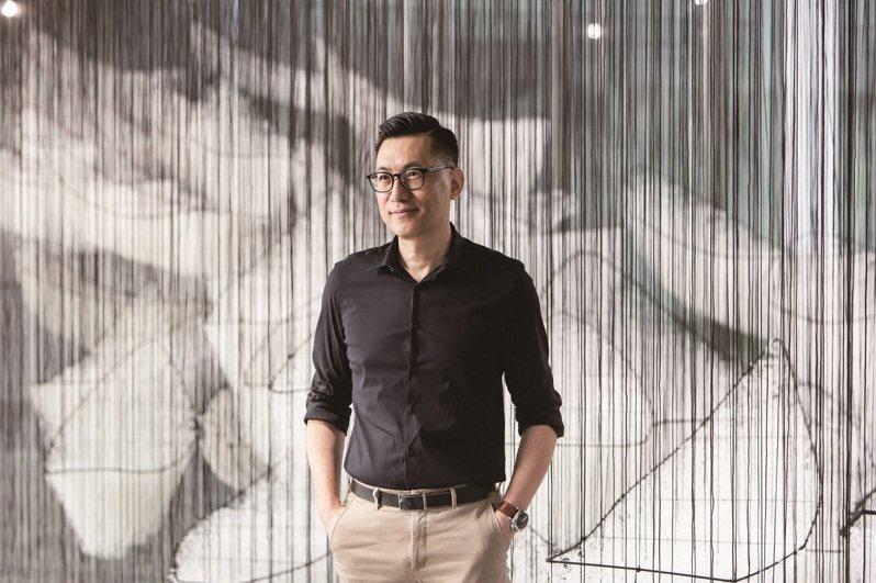 接任台北市立美術館館長一職的王俊傑,希望帶領台灣當代藝術往多元、國際化邁進。 (圖/台北市立美術館)