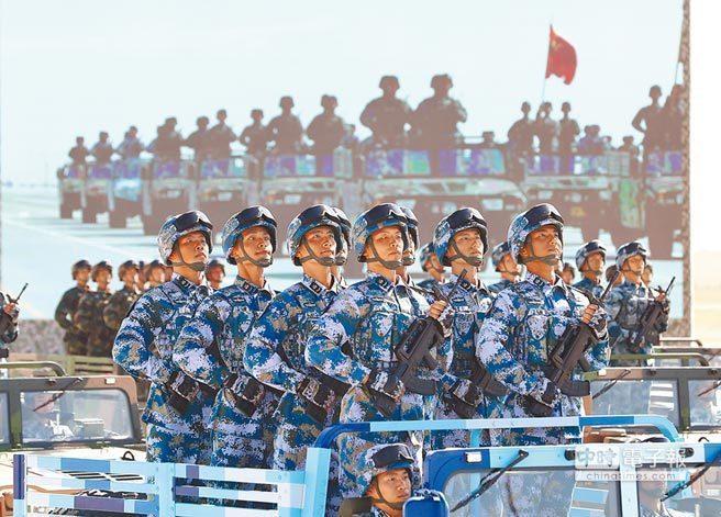 美參議員搭軍機訪台後,共軍東南沿海兩棲作戰演練。新華社
