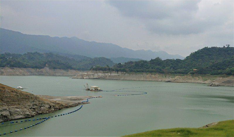 這波梅雨帶來明顯降雨,曾文水庫有明顯進帳,紓解農業旱象。記者吳淑玲/攝影