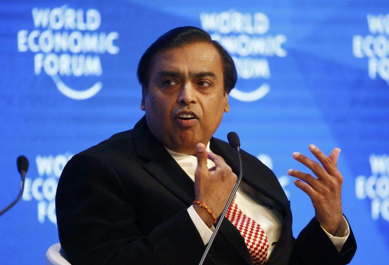 印度首富安巴尼(如圖)的個人身價和全球財富排行已超越中國大陸同儕。路透