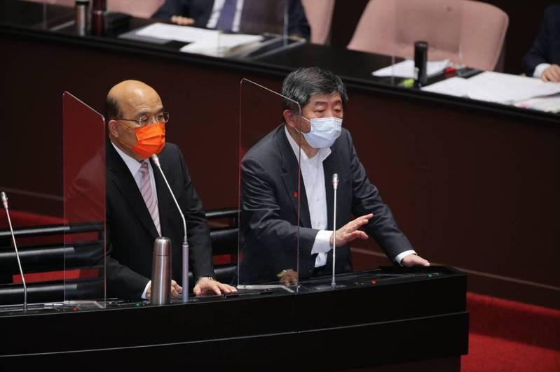 行政院長蘇貞昌(左)及衛福部長陳時中(右)備詢。圖/立法院提供