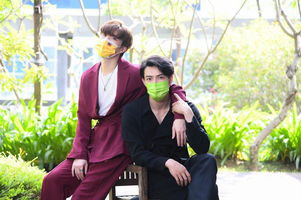 王碩瀚(左)和賴東賢為BL網劇「約定」宣傳,兩人因為疫情打亂了很多工作計畫。圖/