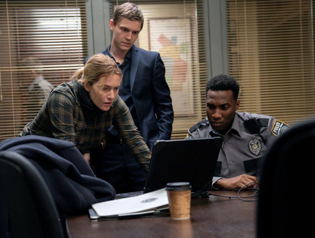 「東城奇案」開播以來好評不斷,也創下收視佳績。圖/HBO提供