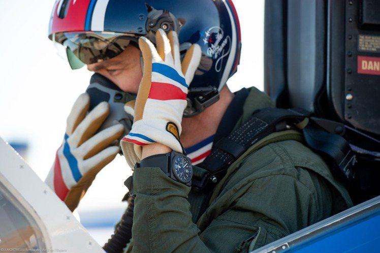 Bell & Ross今年並與法國空軍Patrouille de Fra...