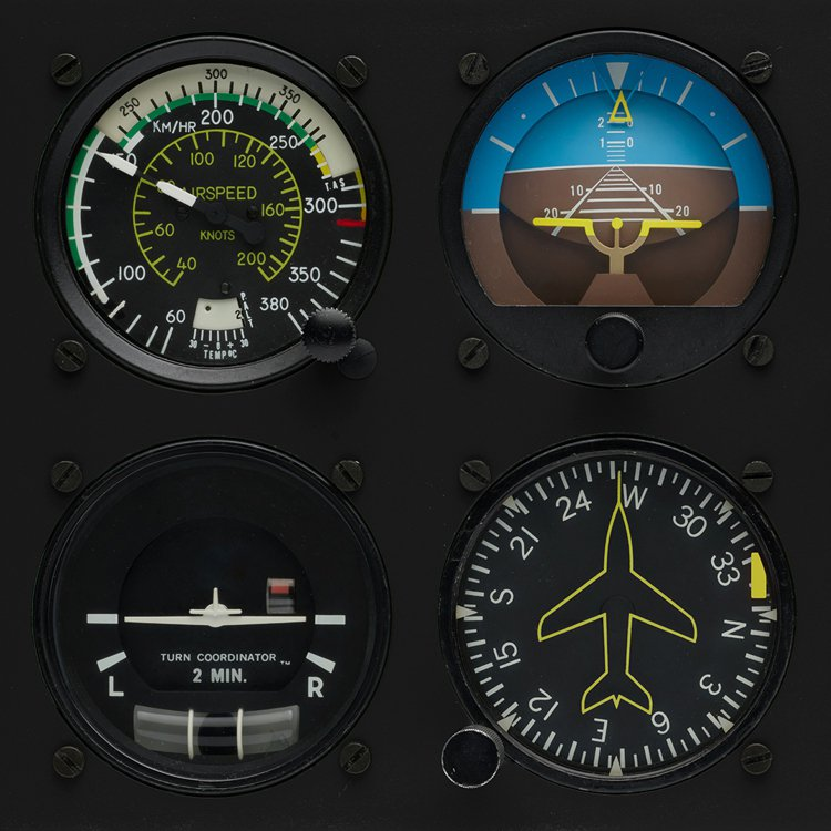 Bell & Ross從飛機儀表板的水平、航向、高度等指示,陸續設計出不...