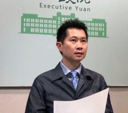 行政院政務顧問丁怡銘已接種疫苗,被批評是特權。本報資料照片