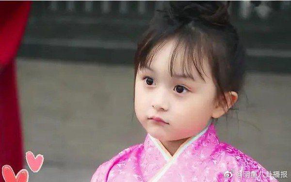 劉楚恬5歲時拍攝《羋月傳》模樣。 圖/擷自微博