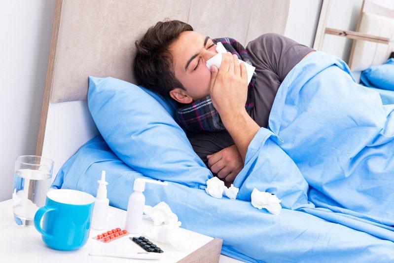 美國醫學專家警告,認為近來趨緩的流感疫情,很可能在入秋後捲土重來。圖片來源/ingimage