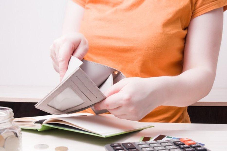 了解年繳保費的同時,也該動手算一算總繳保費金額是多少,確定自己的經濟能力能否負荷...