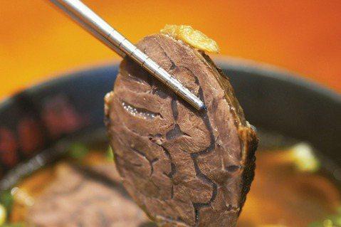 臺北林東芳牛肉麵標榜用的就是牛腱心。圖/麥浩斯提供