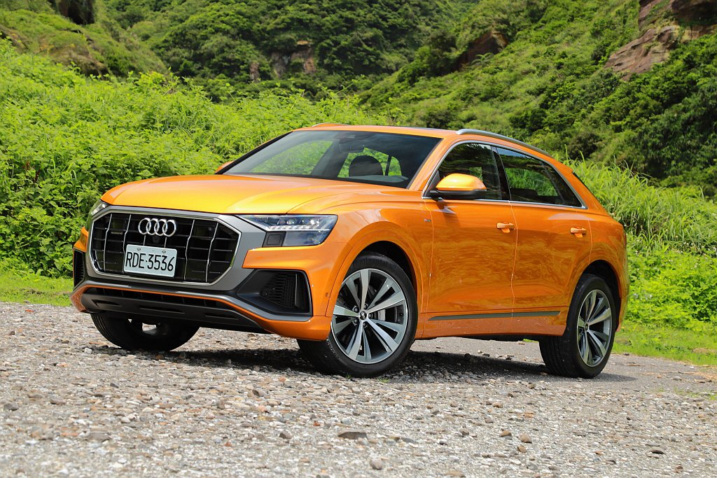Audi Q8車身長度接近全尺寸休旅範疇(4,986mm),車身寬度比Q7還寬(...