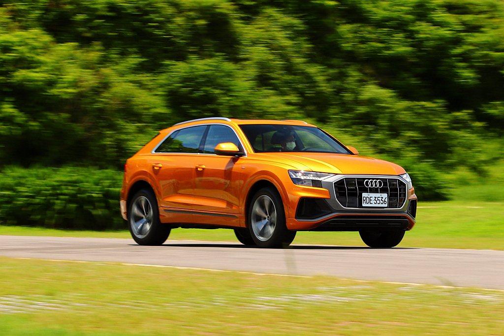 實際試駕感受發現,Audi Q8 55 TFSI quattro S line給...