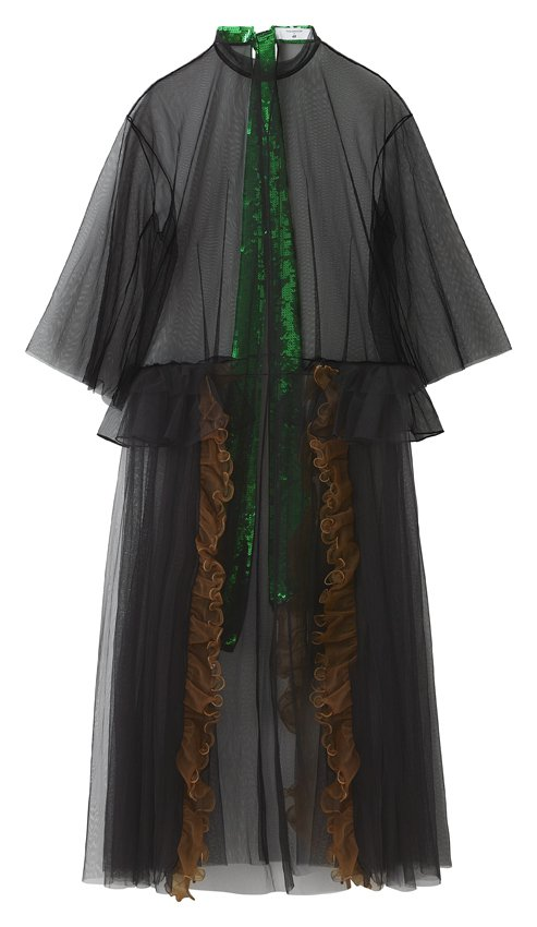 H&M率先曝光即將推出的TOGA ARCHIVES聯名系列女裝薄紗罩衫。...