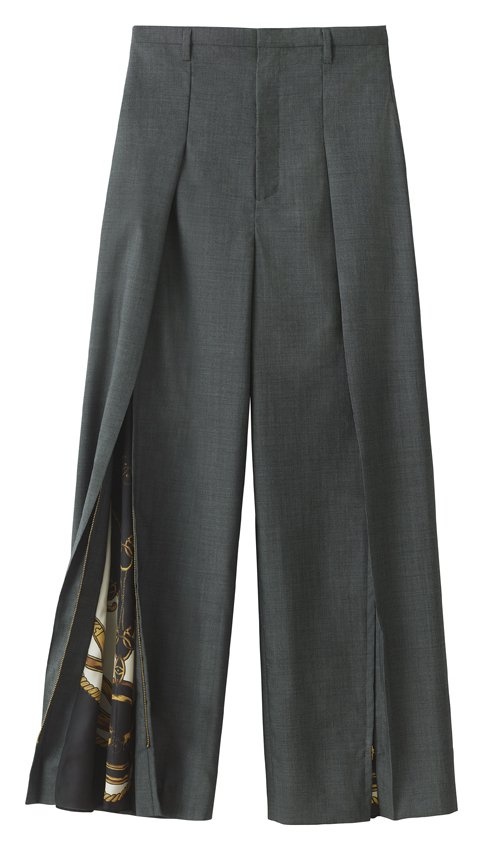 H&M率先曝光即將推出的TOGA ARCHIVES聯名系列女裝長褲。圖/...