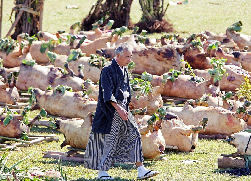 農家和屠宰師是項專業工作,在感激動物犧牲生命的同時,也應該感激這些農家代替常人之...