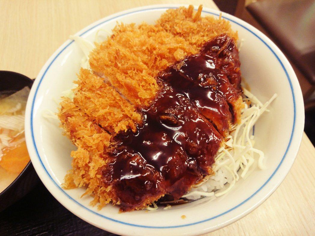 圖為日本的豬排丼。 圖/維基共享