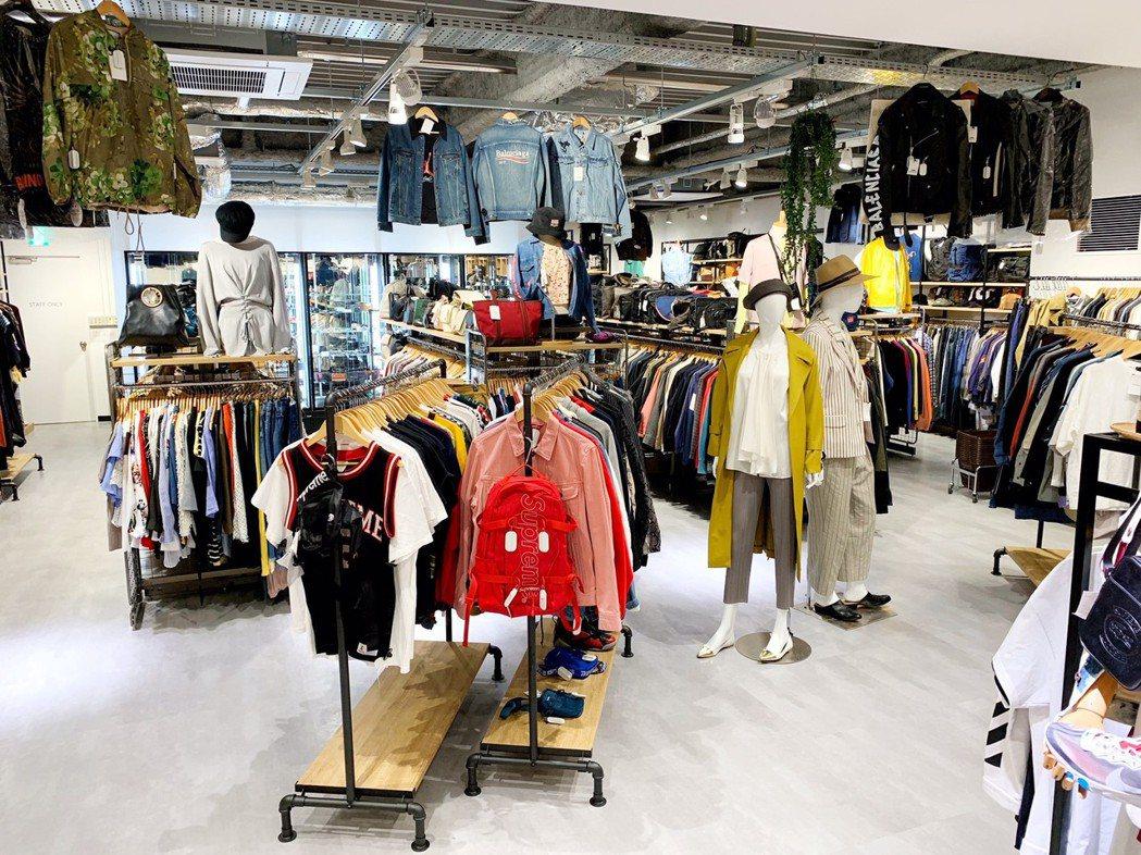店家整潔維護的前置處理與精緻陳列,讓消費者有舒適、時尚的購物環境,還能有以低於市...