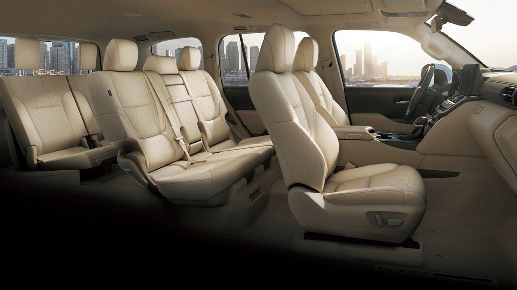 Toyota Land Cruiser 300標準的7人座車艙。 摘自Toyot...