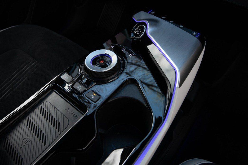 全新Kia EV6使用線傳排檔系統。 摘自Kia