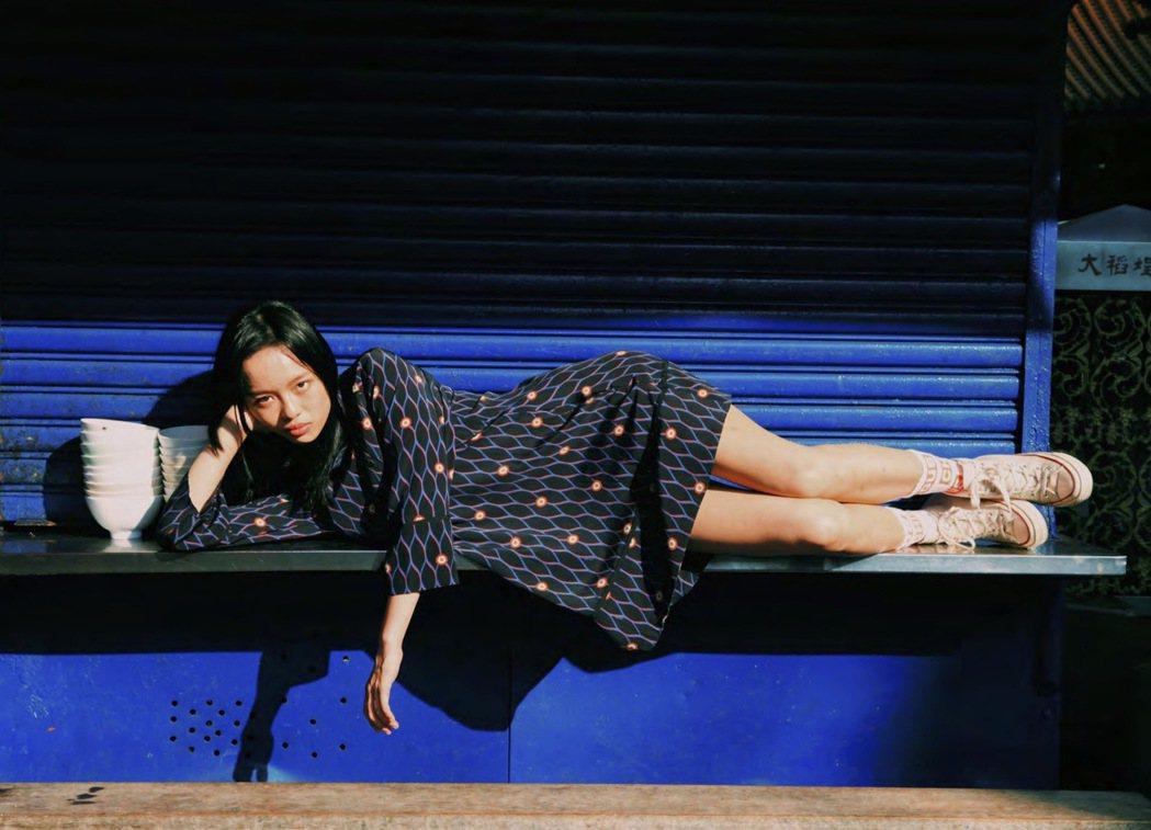 收錄在書裡的20位台女之一,演員王渝屏。 圖/大塊文化提供