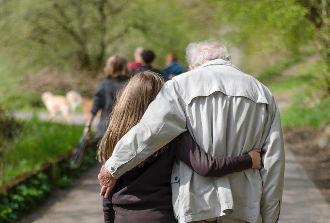 親子衝突經常來自價值觀衝突,未必有絕對的對錯,但成年子女與老年父母的親子溝通,過...